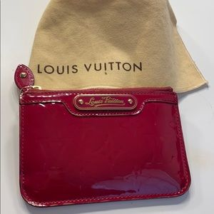 Today only Louis Vuitton key holder/id
